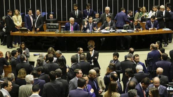Câmara aprova texto principal da reforma da Previdência em 2º turno